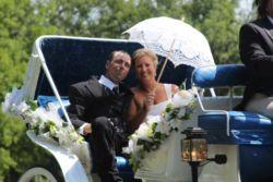 couple-with-umbrella
